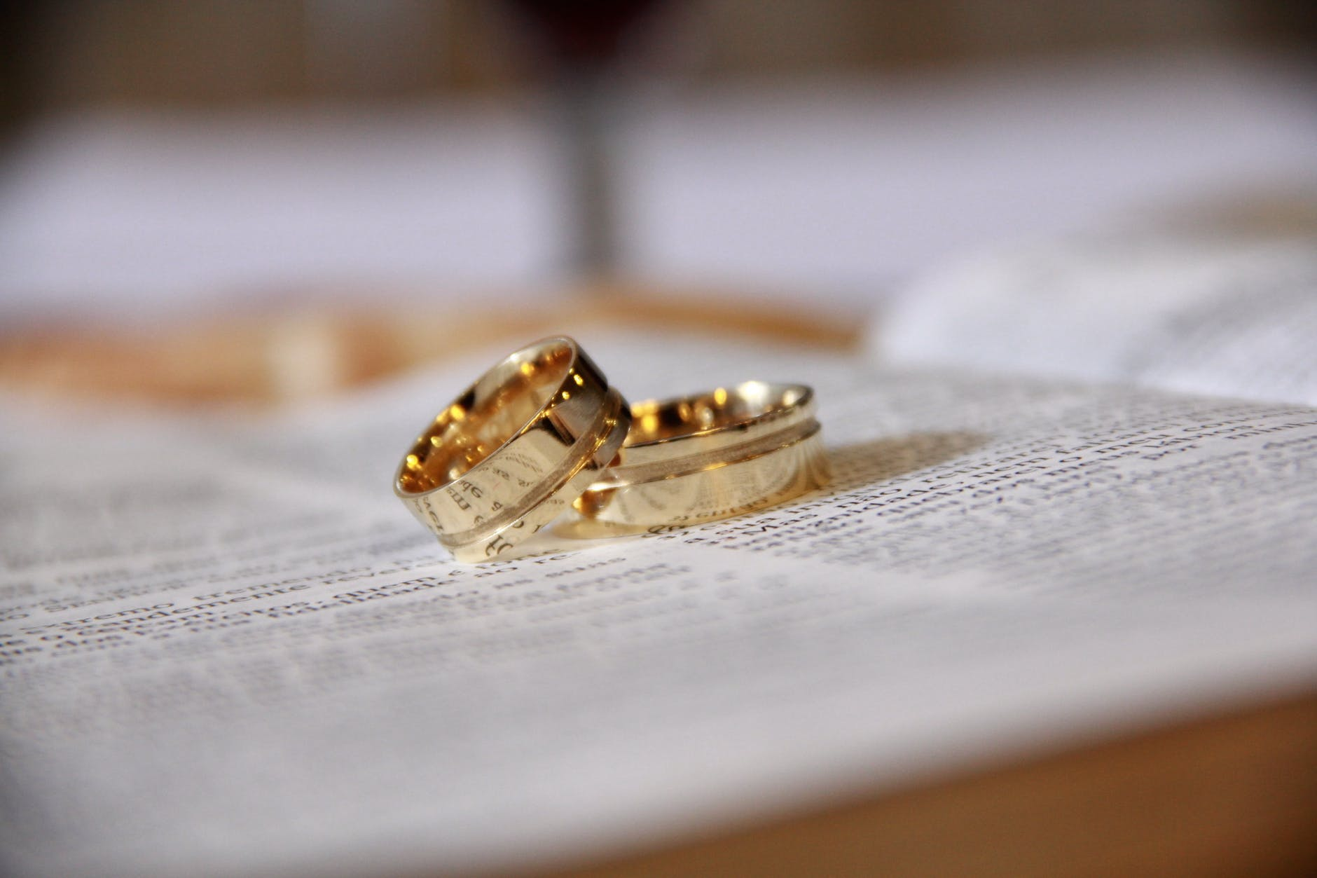band blur close up engagement
